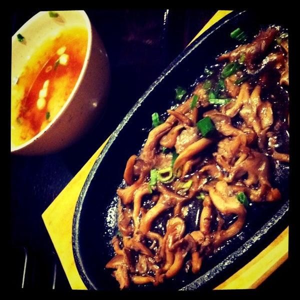 Foto tirada no(a) Kodai Sushi por Juma M. em 4/6/2012