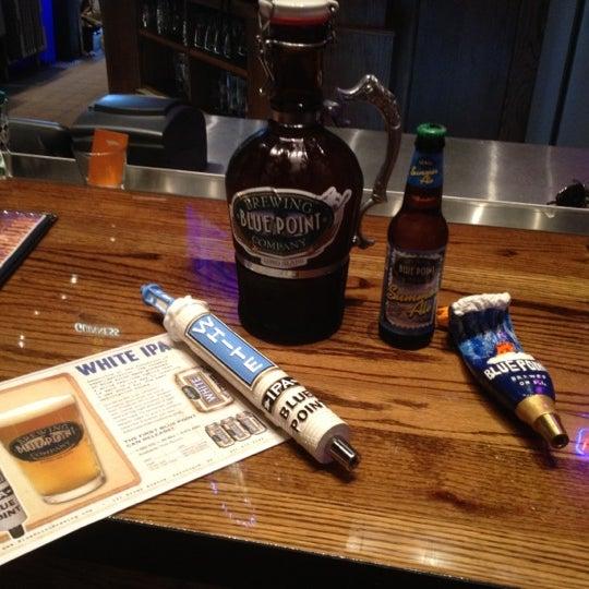 รูปภาพถ่ายที่ Tyler's Restaurant & Taproom โดย Mark H. เมื่อ 4/20/2012