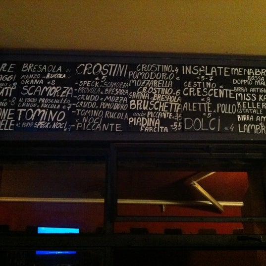 Cucina aperta fino 1:30 di notte:) if you are hungry this the place to eat late in night)
