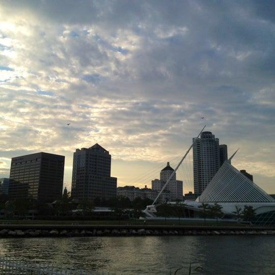 Foto tomada en Harbor House por Katie F. el 8/16/2012