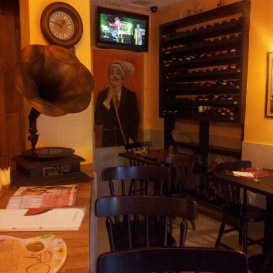 Foto diambil di Dalí Cocina oleh Chris N. pada 6/22/2012