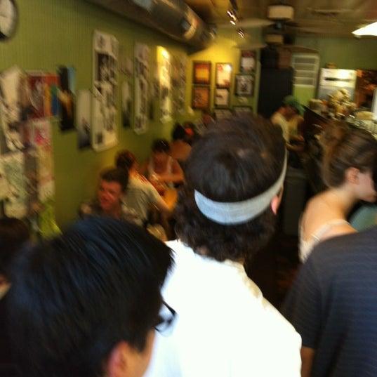 Foto diambil di On the Hill Cafe oleh Thomas N. pada 7/6/2012