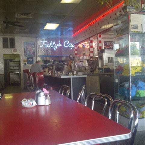 Tally's Good Food Café - Diner in 11th & Yale