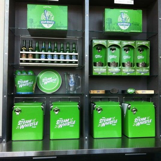 4/7/2012 tarihinde Bianca R.ziyaretçi tarafından Steam Whistle Brewing'de çekilen fotoğraf