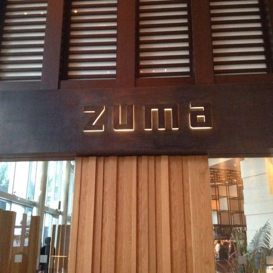 รูปภาพถ่ายที่ Zuma โดย Cara P. เมื่อ 4/24/2012