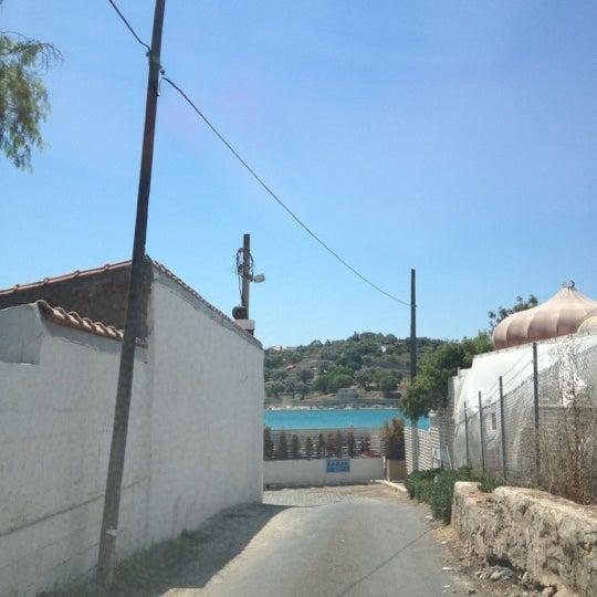 รูปภาพถ่ายที่ Paparazzi โดย Ebru O. เมื่อ 8/2/2012