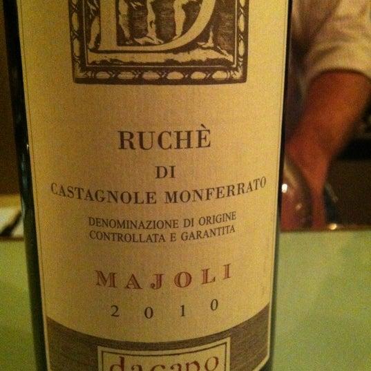 Foto tomada en Maslow 6 Wine Bar and Shop por leiti h. el 8/19/2012