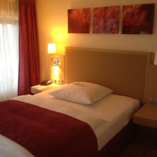8/9/2012 tarihinde Olga K.ziyaretçi tarafından Hotel Berlin'de çekilen fotoğraf