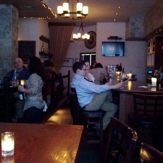 6/4/2012にTeresa K.がThe Tangled Vine Wine Bar & Kitchenで撮った写真