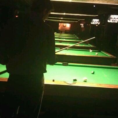 Foto tomada en Society Billiards + Bar por Ibrahim M. el 4/14/2012