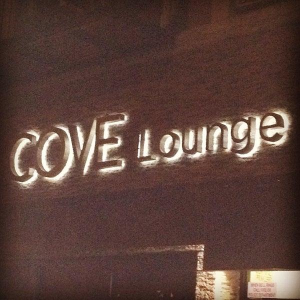8/26/2012にDavid G.がCove Loungeで撮った写真