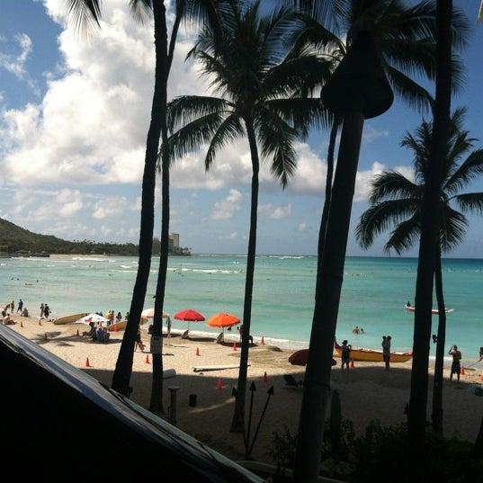 5/9/2012 tarihinde Moises G.ziyaretçi tarafından Hula Grill'de çekilen fotoğraf