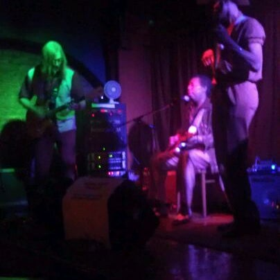 Photo prise au Terra Blues par Melissa S. le8/4/2012
