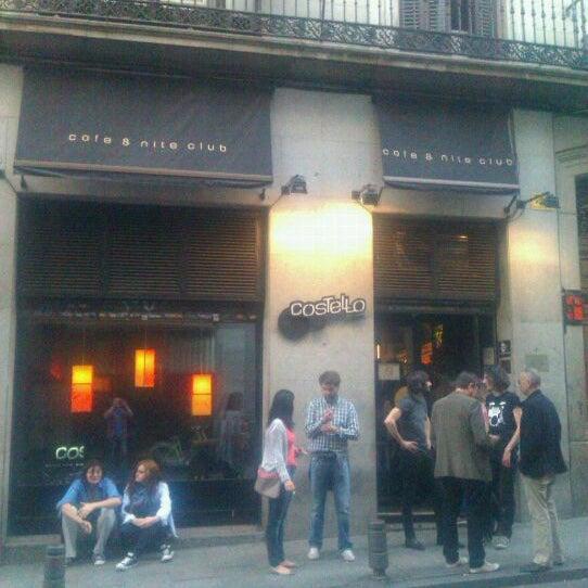 รูปภาพถ่ายที่ Costello Club โดย Marco G. เมื่อ 3/25/2012