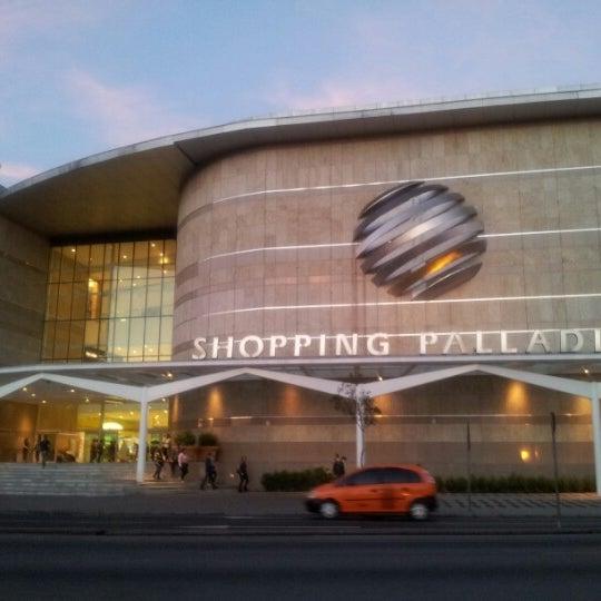 Foto tirada no(a) Shopping Palladium por Igor S. em 7/3/2012