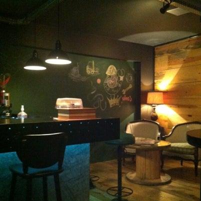 8/9/2012 tarihinde Thiago d.ziyaretçi tarafından Factory Coffee Bar'de çekilen fotoğraf