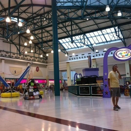 รูปภาพถ่ายที่ Shopping Iguatemi โดย Samuel G. เมื่อ 2/11/2012
