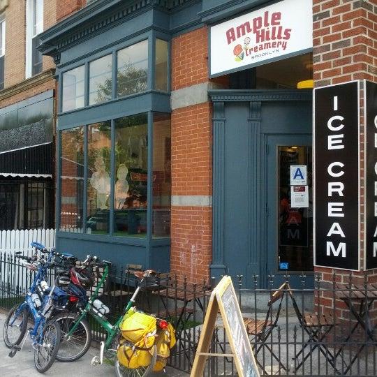 7/5/2012にMichael Z.がAmple Hills Creameryで撮った写真