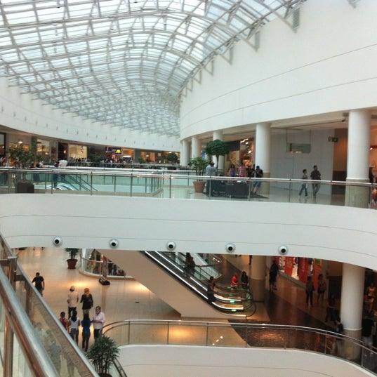 Foto tirada no(a) Shopping Palladium por Leandro A. em 9/9/2012