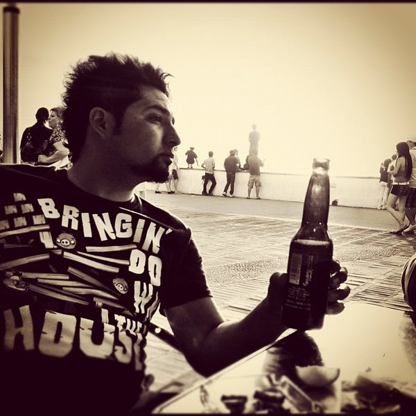 Photo prise au Day Off Beach Bar par Javier N. le4/7/2012