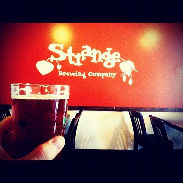 Das Foto wurde bei Strange Craft Beer Company von Jerad L. am 7/15/2012 aufgenommen