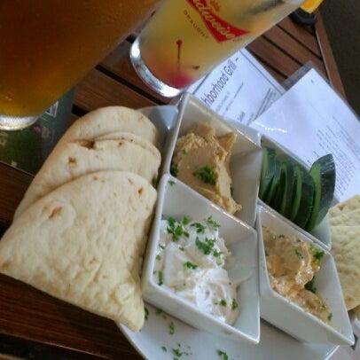 Foto tirada no(a) Teak Neighborhood Grill por Meghan M. em 8/24/2012