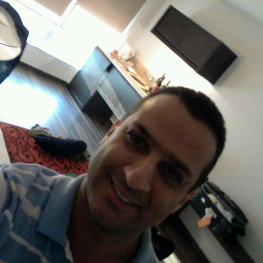 Foto diambil di My Suites Boutique Hotel & Wine Bar Montevideo oleh Glaucio S. pada 9/13/2012
