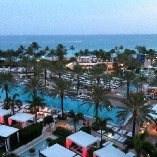 Photo prise au Fontainebleau Miami Beach par Cristiana G. le8/15/2012