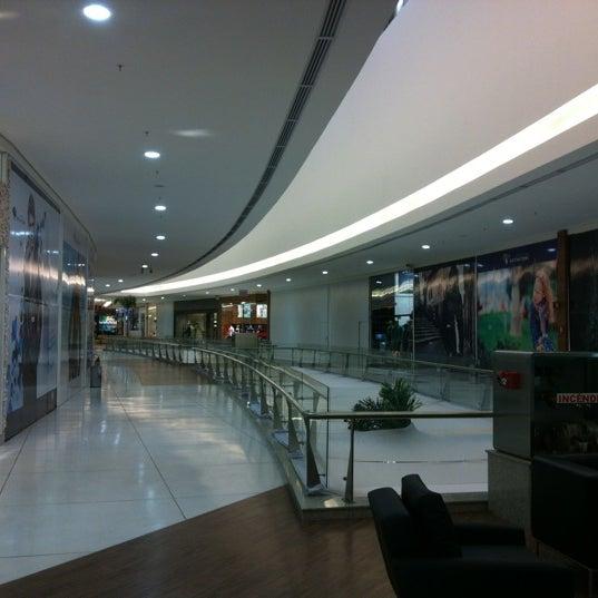 รูปภาพถ่ายที่ Shopping Park Europeu โดย Alexandre S. เมื่อ 3/26/2012