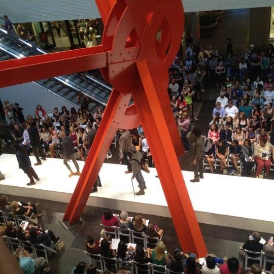 9/6/2012 tarihinde Sterling R.ziyaretçi tarafından NorthPark Center'de çekilen fotoğraf
