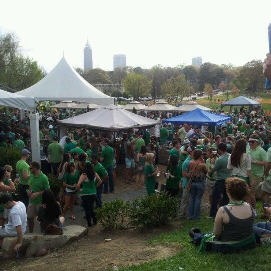 Photo prise au Park Tavern par Ricardo B. le3/17/2012