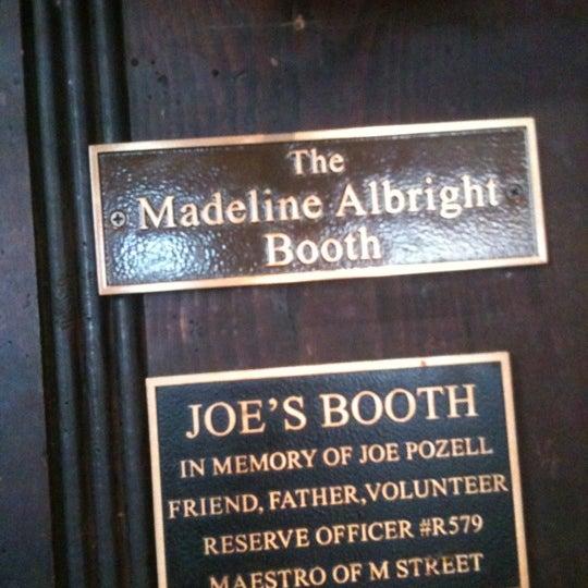 Foto tomada en Martin's Tavern por Aimee 🦁 el 8/19/2012