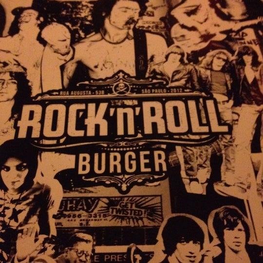 8/26/2012 tarihinde Eliana A.ziyaretçi tarafından Rock 'n' Roll Burger'de çekilen fotoğraf