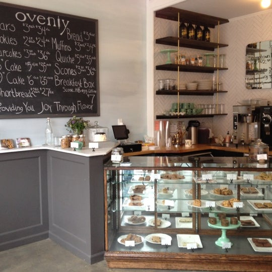Das Foto wurde bei Ovenly von Marianne H. am 9/2/2012 aufgenommen
