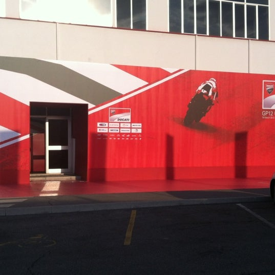 3/19/2012 tarihinde Marco R.ziyaretçi tarafından Ducati Motor Factory & Museum'de çekilen fotoğraf