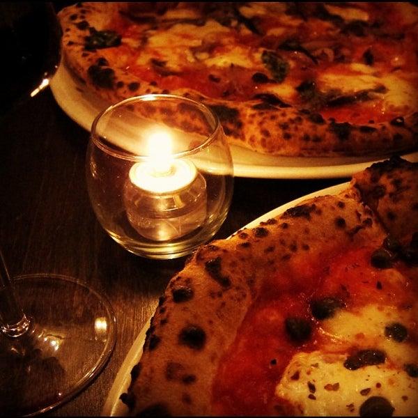 รูปภาพถ่ายที่ Sottocasa Pizzeria โดย christian svanes k. เมื่อ 3/10/2012