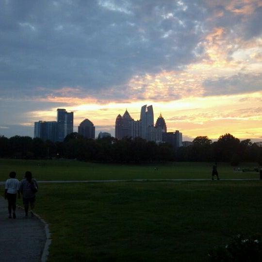 Photo prise au Park Tavern par Ryan W. le8/16/2012