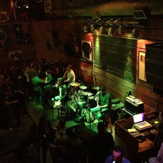 6/16/2012 tarihinde Andreia R.ziyaretçi tarafından Kia Ora Pub'de çekilen fotoğraf