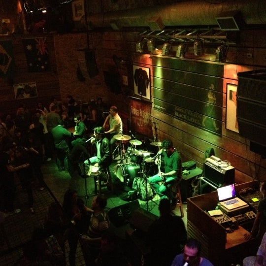 Foto diambil di Kia Ora Pub oleh Andreia R. pada 6/16/2012