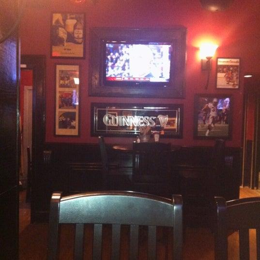 รูปภาพถ่ายที่ The Pint Public House โดย Maggie เมื่อ 3/28/2012
