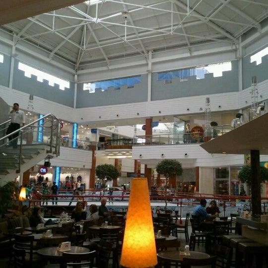 Снимок сделан в Floripa Shopping пользователем Gustavo L. 8/14/2012