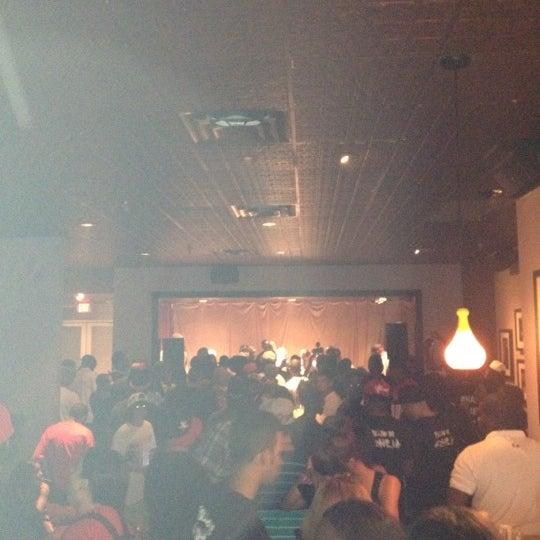 รูปภาพถ่ายที่ Warehouse Live โดย Dustin S. เมื่อ 6/25/2012