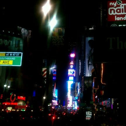 Foto scattata a Carolines on Broadway da Fran H. il 7/15/2012