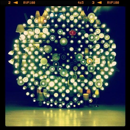 Foto scattata a White Rabbit Gallery da Xiaoyi P. il 3/29/2012