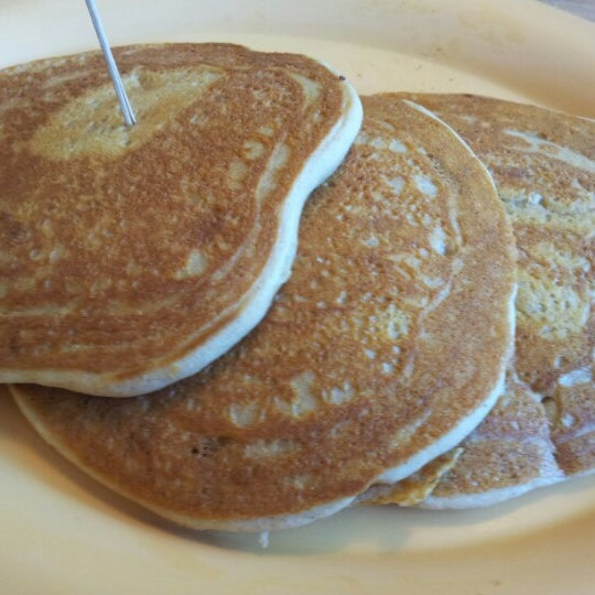 รูปภาพถ่ายที่ Bob's Red Mill Whole Grain Store โดย april b. เมื่อ 8/4/2012