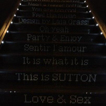 Das Foto wurde bei The Sutton Club von Javier L. am 9/11/2012 aufgenommen
