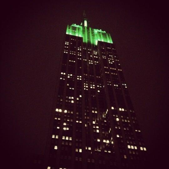 Foto diambil di VU Bar NYC oleh Jillian L. pada 3/12/2012