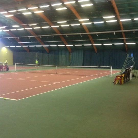 людей интересуют теннисные корты в крокус сити фото же, все эти