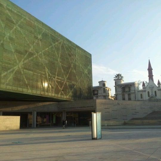 Foto diambil di Museo de la Memoria y los Derechos Humanos oleh Cristián pada 7/8/2012