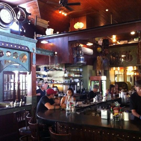 Foto scattata a Deluxe Station Diner da Rob M. il 8/2/2012